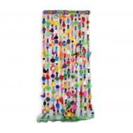 Vorhang aus Strandgut/ Plastikmüll